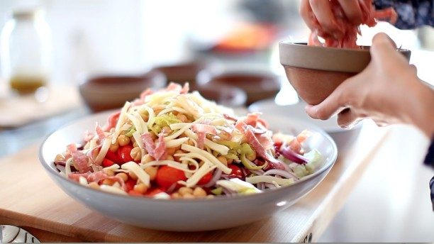 How To Make The Ultimate Italian Chopped Salad