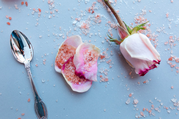 DIY Rosehip Oil Bath Soak :: Geri Hirsch 6